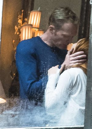 Elizabeth-Olsen--Shares-a-kiss-with-Paul-Bettany-on-set--08-300x420